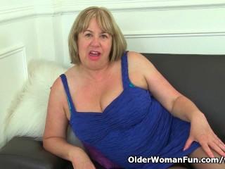 Aunty trisha s and old pussy need loving